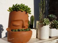 Face pots - mil gracias pottery in 2019 керамика, керамическ Face Planters, Flower Planters, Planter Pots, Ceramic Flower Pots, Ceramic Planters, Diy Clay, Clay Crafts, Ceramic Clay, Ceramic Pottery