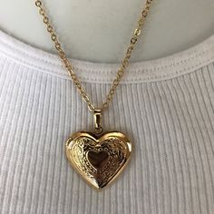 >>>Pandora Jewelry OFF! >>>Visit>> New gold locket photo heart necklace Fashion trends Fashion designers Casual Outfits Street Styles Dainty Jewelry, Pandora Jewelry, Cute Jewelry, Jewelry Accessories, Vintage Jewelry, Jewelry Necklaces, Jewlery, Heart Necklaces, Heart Locket Necklace