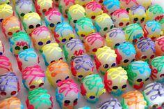 Calaveras de azúcar artesanales mexicanas tamaño mini de Calaverasazucar en Etsy