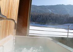 Hotel with Outdoor whirlpool Bathtub, Windows, Vacation, Outdoor, Standing Bath, Outdoors, Bathtubs, Vacations, Bath Tube