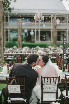 Mr. and Mrs. Signs | VIA #WEDDINGPINS.NET