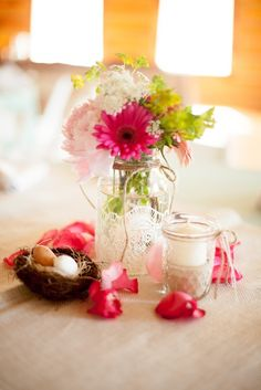 Pretty wedding centerpieces - sweet tiny bird's nest and laced wrapped jar for simple rustic theme