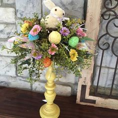 69 Astounding Easter Bunny Decor Ideas For Creating A Different Appeal This Fest… – Best decoration ideas Easter Bunny Decorations, Easter Wreaths, Diy Osterschmuck, Easter Crafts For Adults, Easter Projects, Craft Projects, Easter Ideas, Diy Ostern, Easter Colors