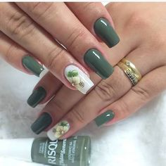 43 Unique Spring And Summer Nails Color Ideas That You Must Try 65 Perfect Nails, Gorgeous Nails, Stylish Nails, Trendy Nails, Manicure E Pedicure, Green Nails, Flower Nails, Creative Nails, Toe Nails