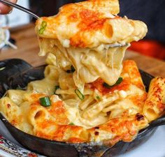 Image discovered by Debauchery. Find images and videos about love, food and yummy on We Heart It - the app to get lost in what you love. I Love Food, Good Food, Yummy Food, Tasty, Extreme Food, Food Goals, Food Cravings, Pasta Dishes, Wine Recipes