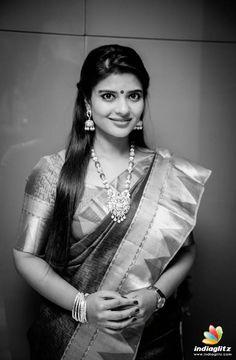 Indian Long Hair Braid, Braids For Long Hair, South Indian Actress, Beautiful Indian Actress, Indian Actresses, Actors & Actresses, Tamil Actress Photos, Whatsapp Group, Tamil Movies