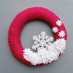 "Pink and White Yarn and Felt Flower Wreath, Pink Christmas Decor, Snowflake Wreath, Modern Christmas Wreath - 14"" size - Ready to ship"