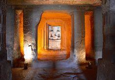 Faszinierende Skulpturen in den Höhlen von Ajanta, Indien