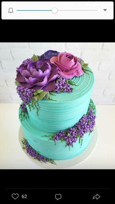 Something purple + pretty on Tiffany blue buttercream. Made for a mommy to be … Etwas Lila + Hübsches auf Tiffany Blue Buttercreme. Gorgeous Cakes, Pretty Cakes, Cute Cakes, Amazing Cakes, Fancy Cakes, Bolo Floral, Floral Cake, Pastel Floral, Decoration Patisserie