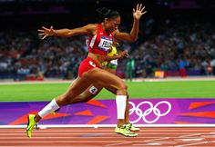 Allyson Felix of the U.S. wins the women's 200m final at the Olympic Stadium, on August 8, 2012.