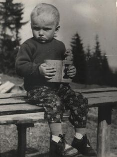 Stanko Bobrik Bumbaj a jeho črpáčik   - fotoarchív:Viera Ciglerová - 70 -te roky