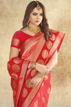 Beautiful Hot Indian Models in Saree High Resolution Wallpapers [HD] Beautiful Women Over 40, Beautiful Girl Indian, Beautiful Saree, Beautiful Indian Actress, Beautiful Models, Saree Models, Dress Models, Indian Bridal Fashion, Tussar Silk Saree