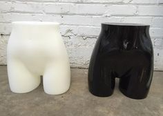 Retail Countertop Female Butt Forms in 2 Colors @DustyJunkcom #resellers #onlinesellers #vendors #dressform