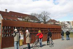Znalezione obrazy dla zapytania berliner wall