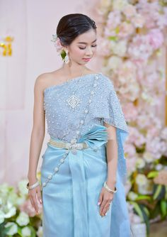 Cambodian People, Thai Dress, Khmer Wedding, Traditional Wedding, Laos, Costumes, Formal Dresses, Model, How To Wear