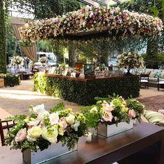 """251 curtidas, 7 comentários - Lais Aguiar (@laisaguiarmaluhy) no Instagram: """"Mais sobre o casamento de hoje... @rubensdecoracoes @fazendavilarica @multiplaeventos @buffetzest…"""""""