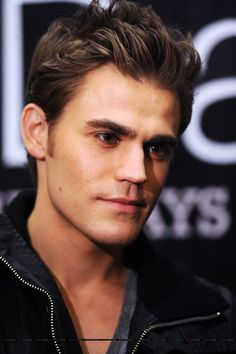 Someone pass me a tissue plz.... Need to wipe the drool off my face lol. Paul Wesley