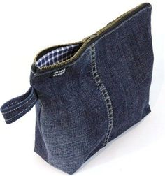 Hottest Snap Shots Denim Cosmetics Bag, Dark Blue Thoughts I enjoy Jeans ! And a lot more I like to sew my own Jeans. Next Jeans Sew Along I'm going to dis Denim Tote Bags, Denim Purse, Jean Purses, Denim Ideas, Denim Crafts, Old Jeans, Fabric Bags, Handmade Bags, Handmade Leather
