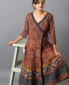 Kurta Designs Women, Salwar Designs, Kurti Designs Party Wear, Blouse Designs, Kurta Patterns, Dress Patterns, Boho Fashion Over 40, Indian Fashion, Frock Fashion