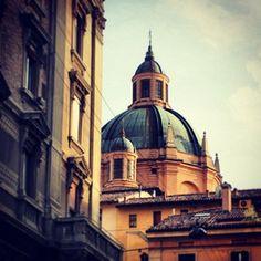 """""""#BolognArtHotels #dimore di #stile nel #centro #storico di #Bologna #EmiliaRomagna #Italy #Hotel #Commercianti #Novecento #CoronadOro #Orologio #booking…"""""""