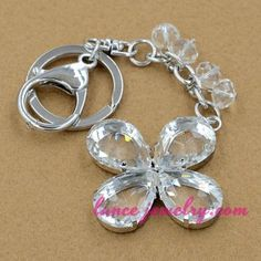 Transparent crystal flower pattern pendnat key chain