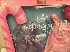 2001 Mattel BARBIE - Nutcracker Fashion Gift set UNOPENED ! (packaging error) Mattel Barbie, Barbie Dolls, Barbie Nutcracker, How To Dress A Bed, Doll Clothes Barbie, Doll Outfits, Work Suits, Auburn Hair, Barbie Collection