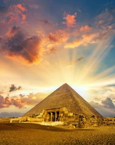 19位 エジプト/メンフィスとその墓地遺跡-ギーザからダハシュールまでのピラミッド地帯 3,876人が選んだ世界遺産ランキングBEST20!「実際に行ってよかった所」1位は…?