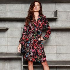 Preview Inverno'17   #Dress com estampa floral para deixar seu look ultra feminino e contemporâneo! 😍 #pinkobymiia #usepinkobymiia #lookspinkobymiia #ootd #modafeminina #vestidofloral