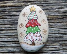Whimsical Tree Painted Rocks, Decorative Accent Stone, Paperweight by HeartandSoulbyDeb on Etsy Rock Painting Patterns, Rock Painting Ideas Easy, Rock Painting Designs, Paint Designs, Pebble Painting, Pebble Art, Stone Painting, Stone Crafts, Rock Crafts