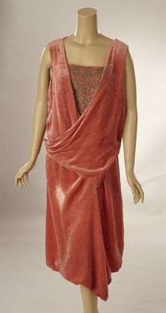 1920s Deep pink silk velvet dress with gold bullion lace bodice. There are holes in the velvet and fade splotches. The lace is perfect. Front