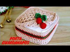 Tissue Box Covers, Tissue Boxes, Christmas Coasters, Christmas Crafts, Crochet Baby Clothes, Crochet Hats, Teachers Pet, Christmas Crochet Patterns, Crochet Kitchen