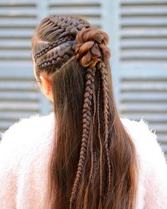 Suspended infinity braid from yesterday just stayed in to end up in a little bun surrounded by some lace and dutch braids! . Have a sunny Wednesday . . . . . #halfupstyle #cornrows #suspendedinfinitybraid #longhairdontcare #longhair #beyondtheponytail #hotbraidsmara #hairstylesforgirls #braidsofinstsgram #косыдлядевочек #прическидлядевочек #cghphotofeature #braidsbyu #americansalon #jehatfeaturefriday #tangledandtrue #toddlershairstyle #suomiletit #letti #braids_features #sweetheartshair…