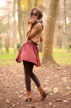 Fall Everyday outfit inspiration- love the color of the skirt!