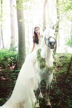 Galia Lahav Le Secret Royale Photoshoot