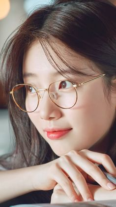 Similar to the previously mentioned Korean skin care trends cloudless skin involves harnessing our pore-refining and brightening products to achieve skin as luminous and even as well a cloudless day. Bae Suzy, Ulzzang Korean Girl, Cute Korean Girl, Korean Beauty, Asian Beauty, Mode Lolita, Miss A Suzy, Korean Celebrities, Korean Actresses