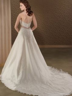 A-line Strapless Applique  Sleeveless Chapel Train Organza Wedding Dresses For Brides
