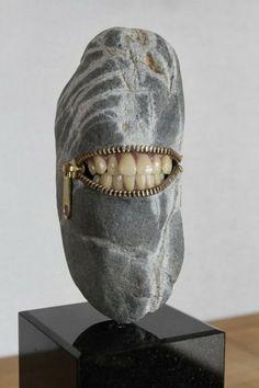 It's a bit macabre, but those teeth and the zipper make me laugh. ~ Sculpture by Hirotoshi Ito Art Rupestre, Art Pierre, Japanese Artists, Sculpture Art, Stone Sculptures, Art Plastique, Magazine Art, Stone Art, Rock Art