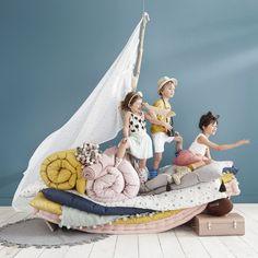 Grey Cotton Futon Mattress with Tassels 90 x 190 Cute Kids Photography, Kids Fashion Photography, Creative Photography, Kids Mode, Casa Kids, Futon Mattress, Toddler Fashion, Baby Photos, Stylish Kids