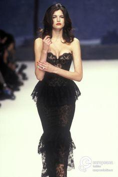 90s Fashion, Couture Fashion, Runway Fashion, High Fashion, Fashion Show, Fashion Dresses, Vintage Fashion, Fashion Design, Pretty Dresses