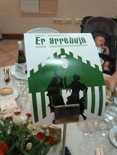 Decoración mesas boda de inspiración flamenca -  #mesero - #BodorrioFlamenco -