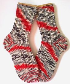 Tausendschön Halbstarker-0216 I Knit Socks, Knitting Socks, Knit Crochet, Knitting Patterns, Diy, Fashion, Gloves, Crochet Socks Pattern, Knit Sock Pattern