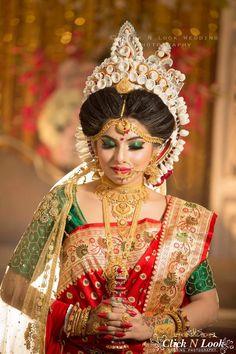 Bengali Bridal Makeup, Bengali Wedding, Bengali Bride, Hindu Bride, Wedding Bride, Dream Wedding, Hairstyles For Gowns, Indian Bridal Hairstyles, Indian Bridal Outfits