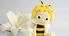 Cartoon character Maya the Bee is waiting for you in amigurumi crochet toy free pattern. Everything you are looking for amigurumi on this site. Crochet Animal Amigurumi, Crochet Animals, Amigurumi Doll, Amigurumi Patterns, Crochet Bee, Crochet Doll Pattern, Cute Crochet, Knitted Dolls, Crochet Dolls