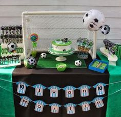 Bash Party Styling *'s Birthday / soccer party - Photo Gallery at Catch My Party Football Theme Birthday, Soccer Birthday Parties, Football Themes, Casino Theme Parties, Birthday Party Themes, Football Football, Maria Nila, Soccer Baby, Barbie Party