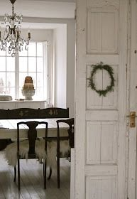 Most Design Ideas Beautiful White Dining Room Pictures, And Inspiration – Modern House French Farmhouse, Farmhouse Chic, Farmhouse Table, French Cottage, Country Farmhouse, French Country, Home Interior, Interior And Exterior, Nordic Interior