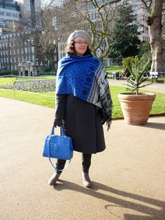 Petite Silver Vixen: Styling a Winter Coat | Nordic Blanket Scarf & Bright Tote | Grey, Cobalt Blue & Black