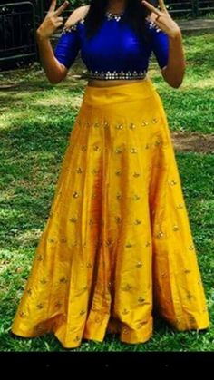 Wear this with a red mang tika. You are Indian Snow White. Lehenga Crop Top, Half Saree Lehenga, Saree Dress, Indian Anarkali, Indian Skirt, Indian Dresses, Indian Outfits, Indian Clothes, Lehenga Designs