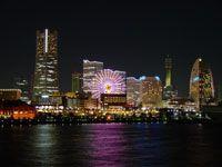 横浜大さん橋客船ターミナルの夜景