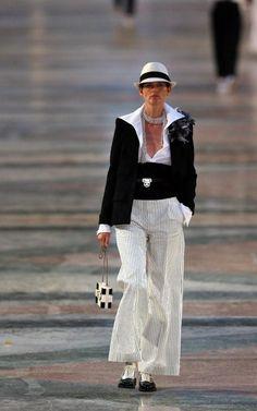 Chanel - Cuba - catwalk - runway - model - fashion
