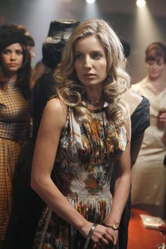 Pan AM wallpaper probably with a sheath, a bustier, and a shimmy in The Annabelle Wallis Club British Actresses, Hollywood Actresses, Fashion Tv, Fashion Beauty, Beautiful Celebrities, Beautiful People, Beautiful Women, Annabelle Wallis, Small Town Girl